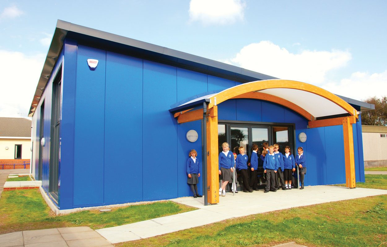 Durrington First and Middle School sustainable dining space by Fordingbridge