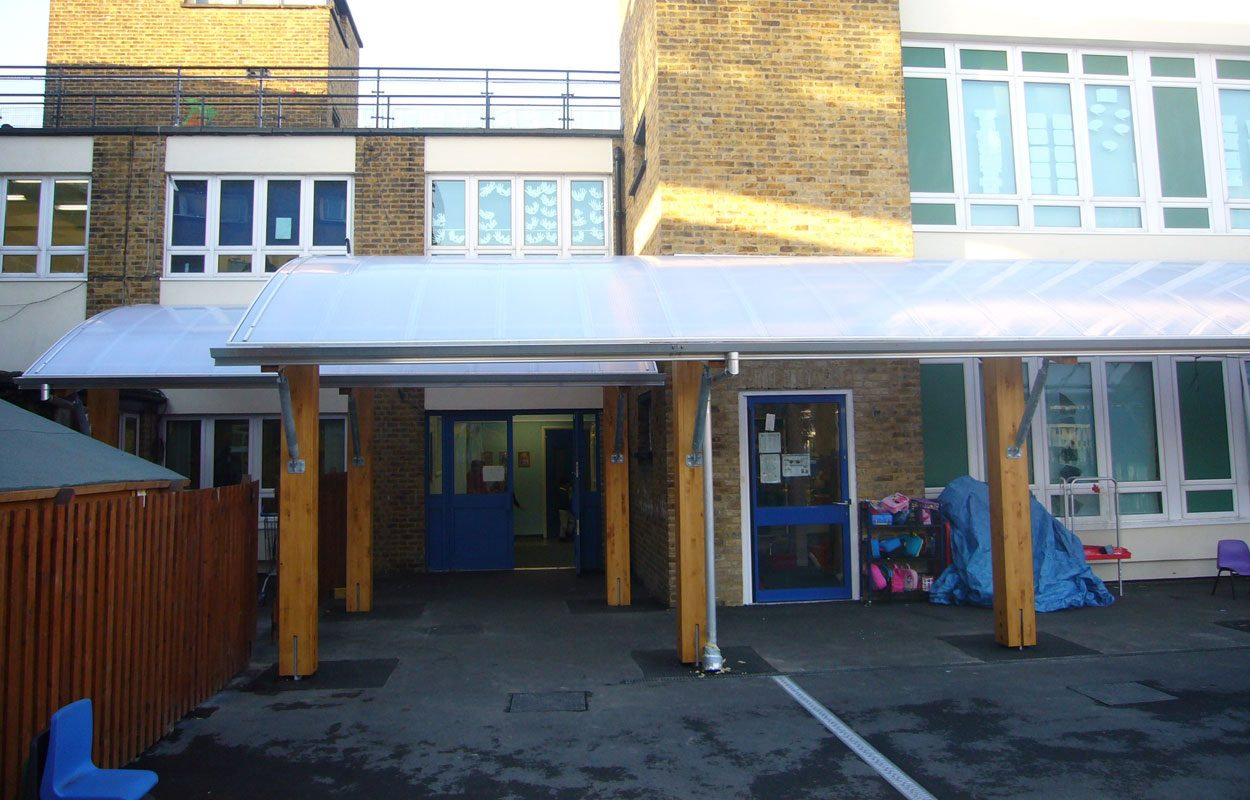 George Tomlinson School timber canopy by Fordingbridge