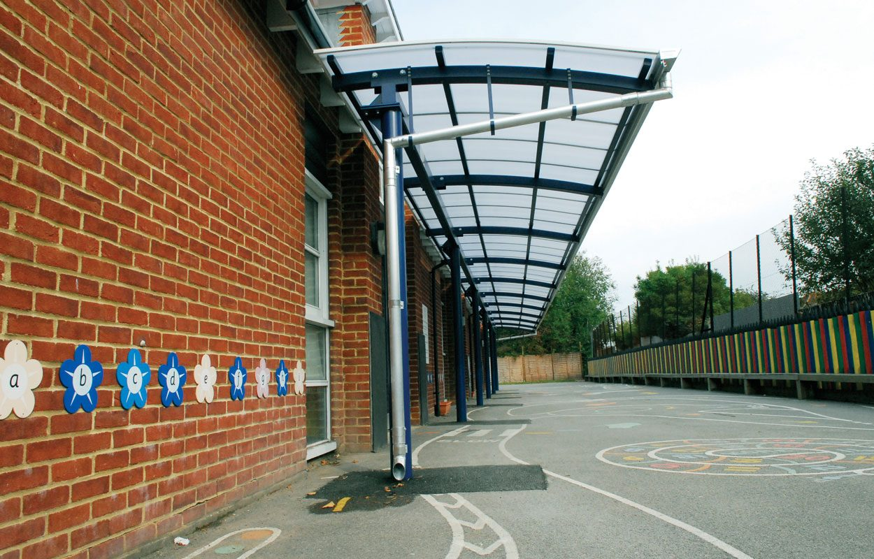 Shakespeare Infants School steel cantilever canopy by Fordingbridge