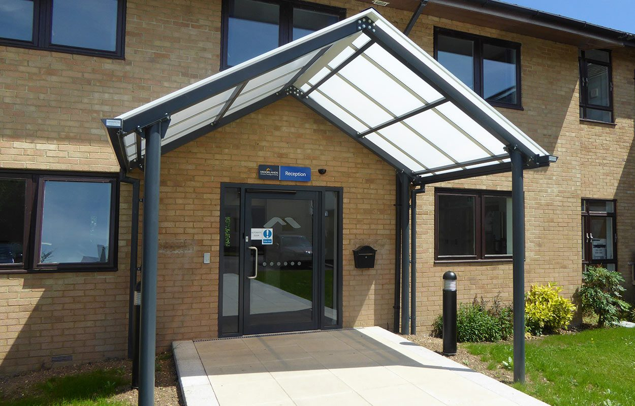 Moorlands-College- Fordingbridge-entrance-web (1)