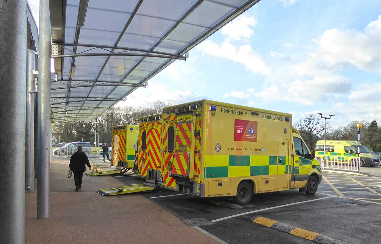 East Surrey Hospital Fordingbridge steel canopy