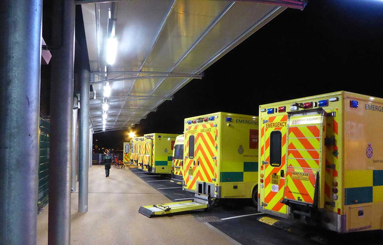 East Surrey Hospital Fordingbridge steel canopy