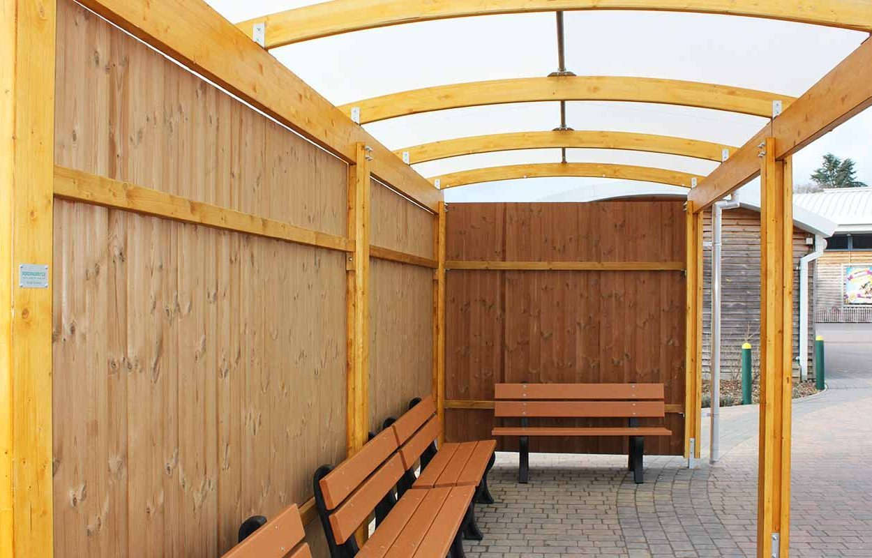 theme park timber canopy by fordingbridge paultons park covering taxi rank 2