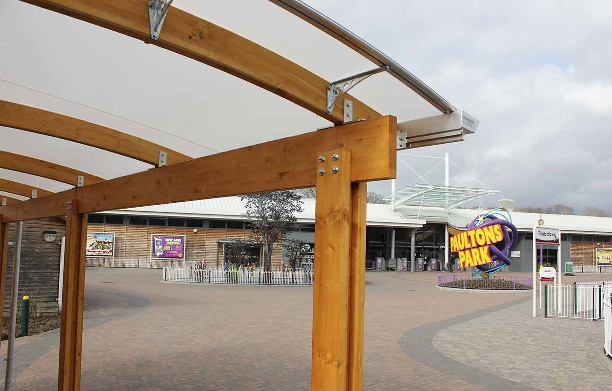 theme park timber canopy by fordingbridge paultons park covering taxi rank 4