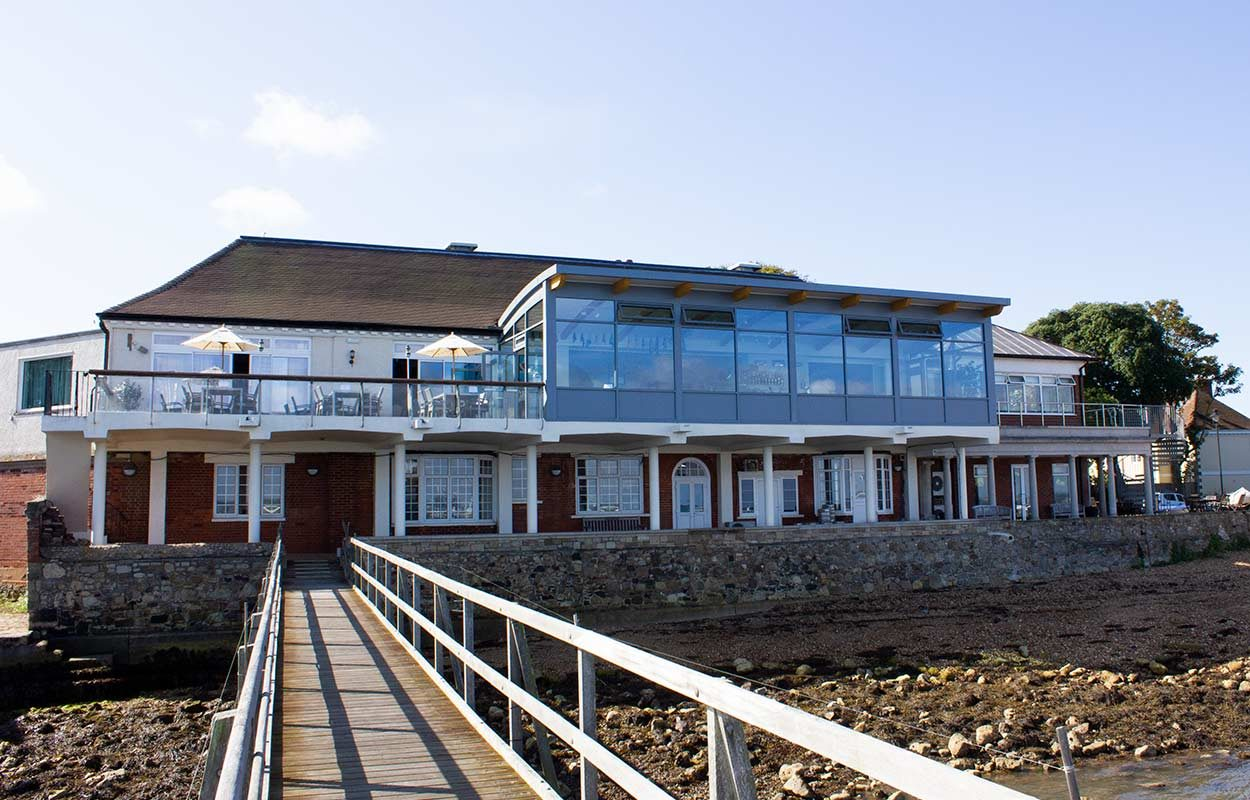 Royal-Solent-Yacht-Club-Yarmouth-Isle-of-Wight-by-Fordingbridge-10