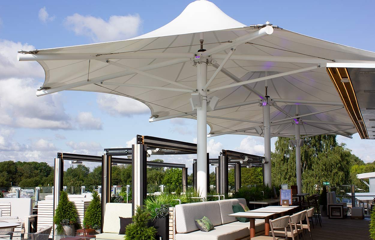Tattershall-Lakes-Roof-Bar-tensile-canopy-by-Fordingbridge-2