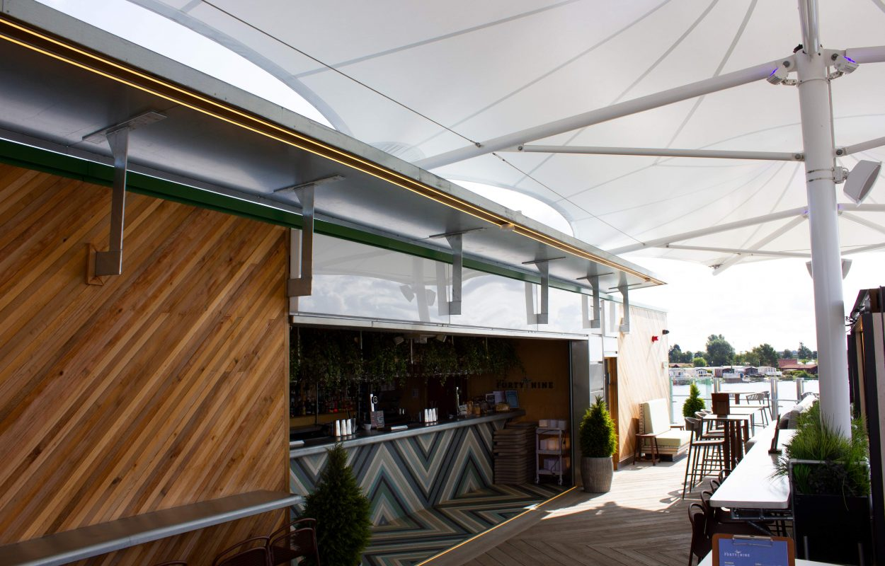 Tattershall-Lakes-Roof-Bar-tensile-canopy-by-Fordingbridge-3