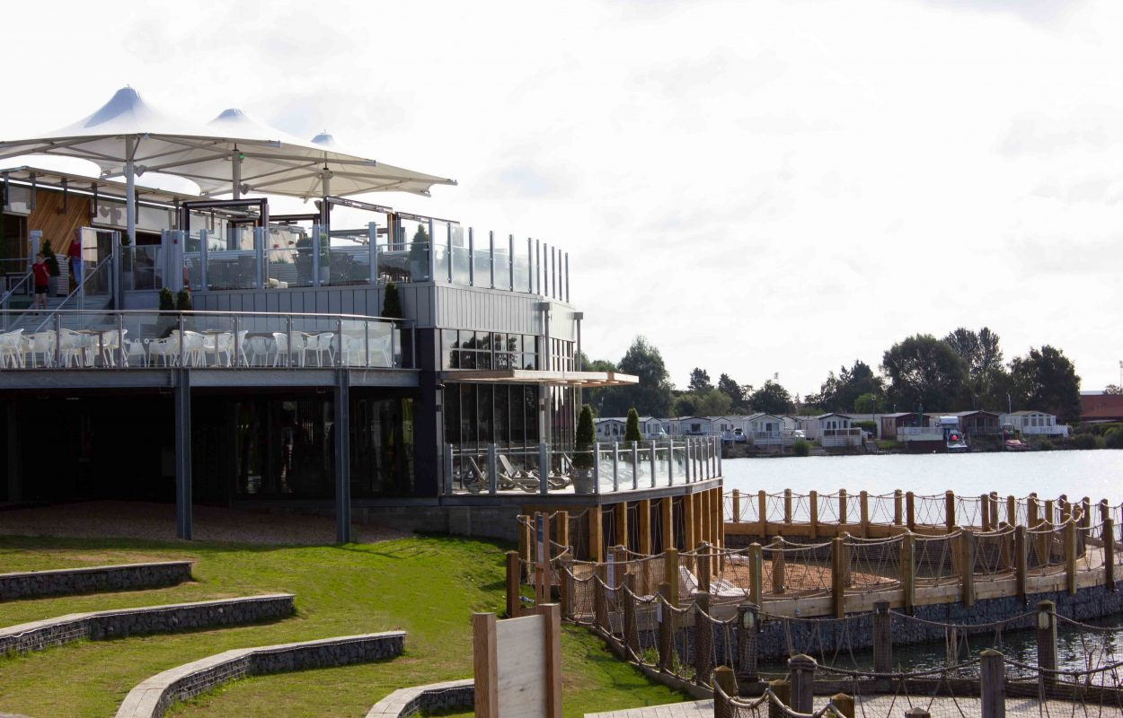Tattershall-Lakes-Roof-Bar-tensile-canopy-by-Fordingbridge-5