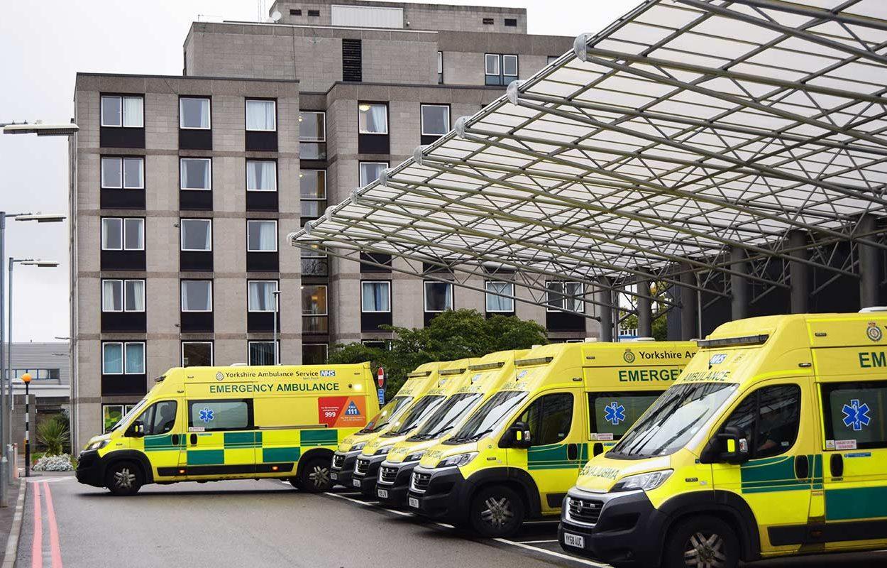 Hull-Ambulance-Bay-Canopy-by-Fordingbridge-2