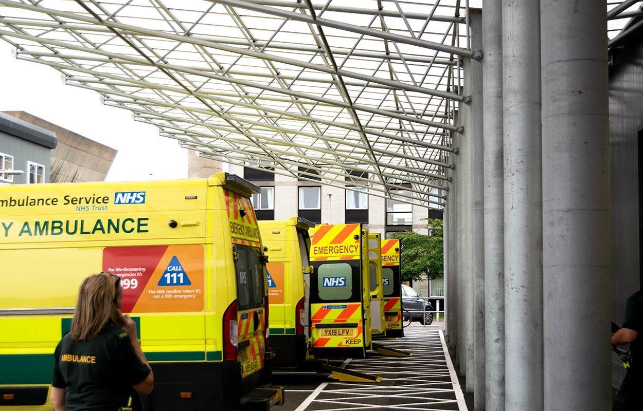 Hull-Ambulance-Bay-Canopy-by-Fordingbridge-3