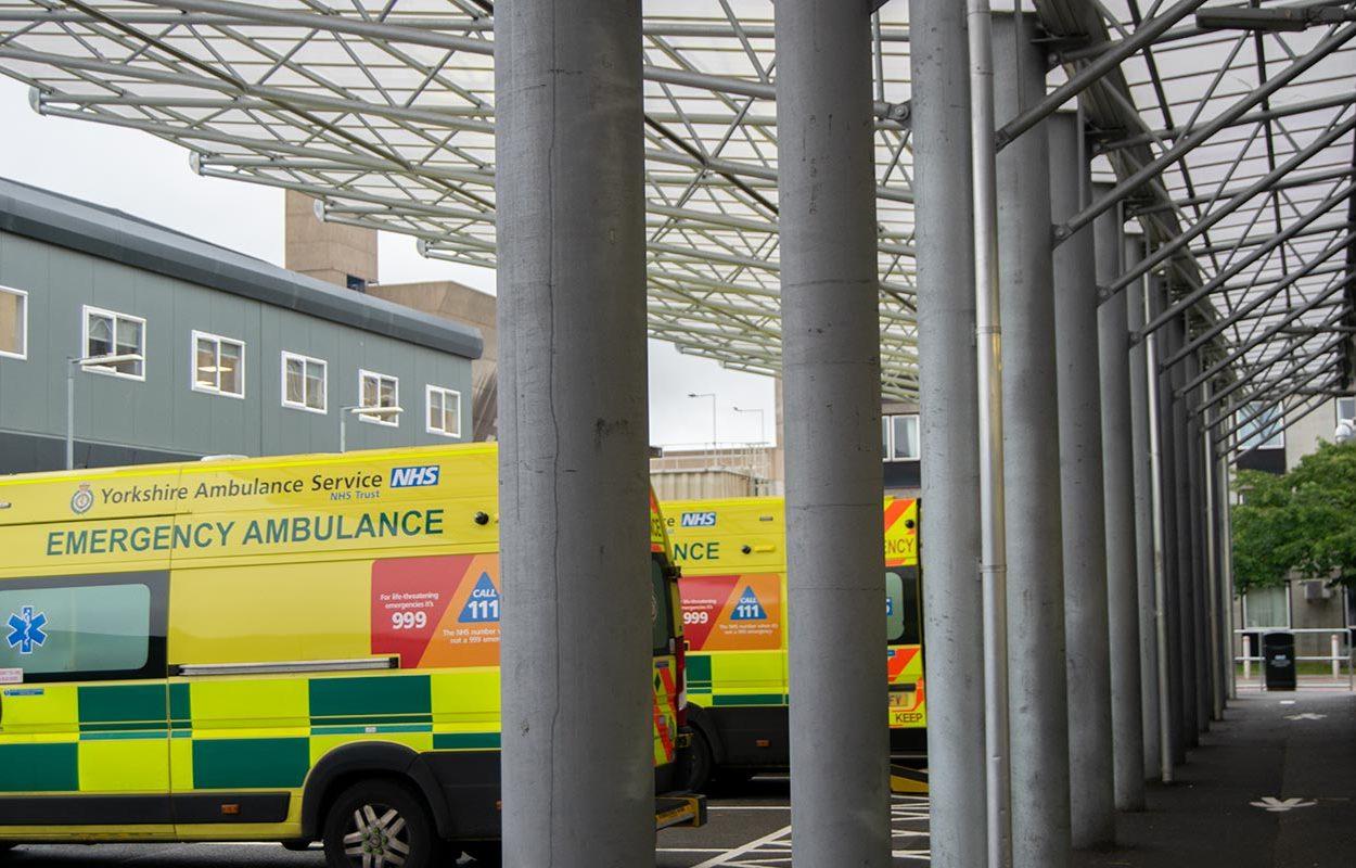 Hull-Ambulance-Bay-Canopy-by-Fordingbridge-6