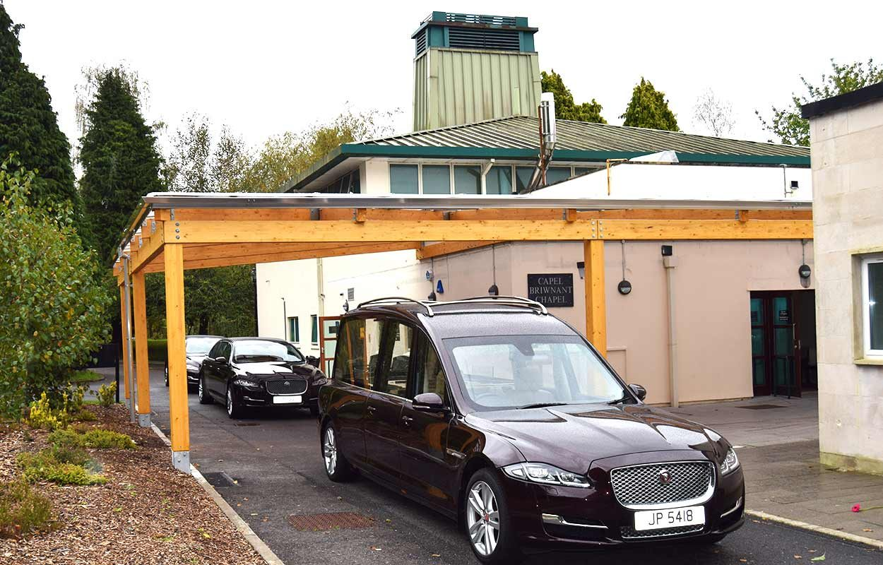 Thornhill-Crematorium-timber-canopy-by-fordingbridge