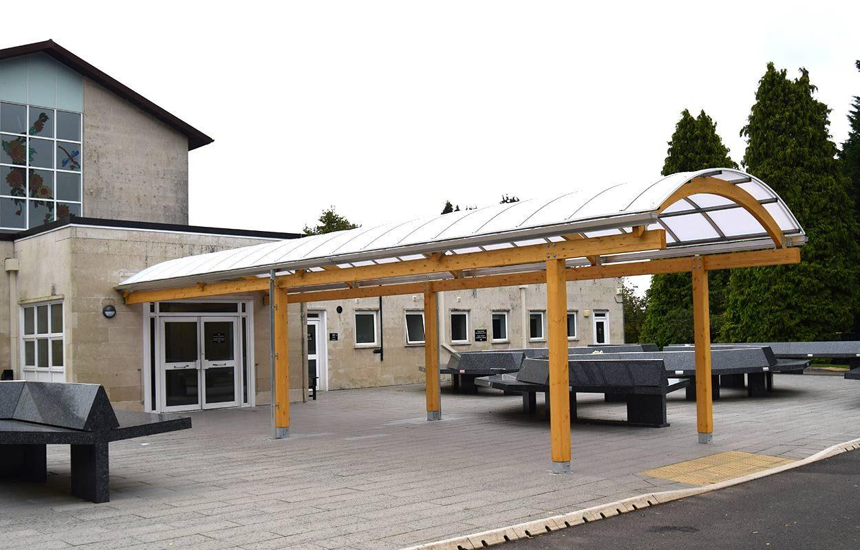 Thornhill-Crematorium-timber-canopy-by-fordingbridge-2