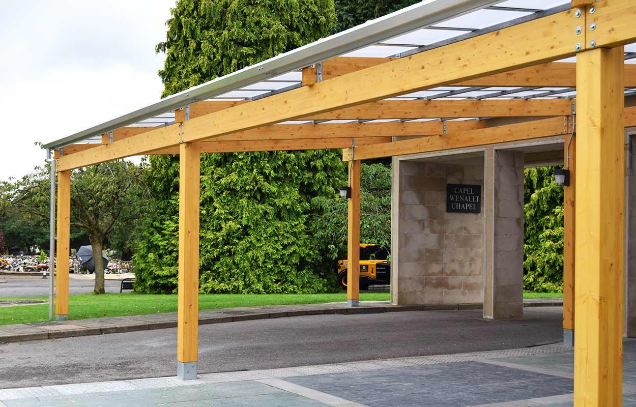 Thornhill-Crematorium-timber-canopy-by-fordingbridge-32