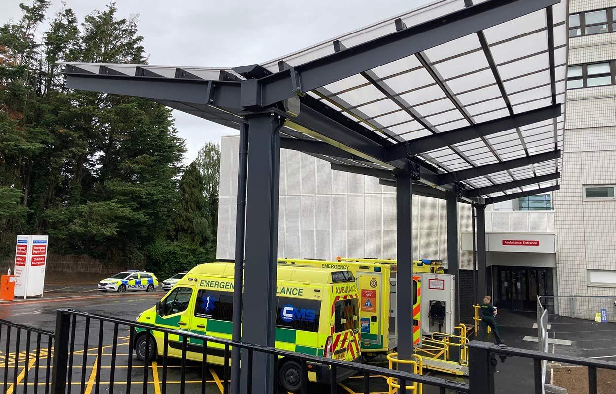 Ambulance-canopy-at-John-Radcliffe-Hospital-by-Fordingbridge