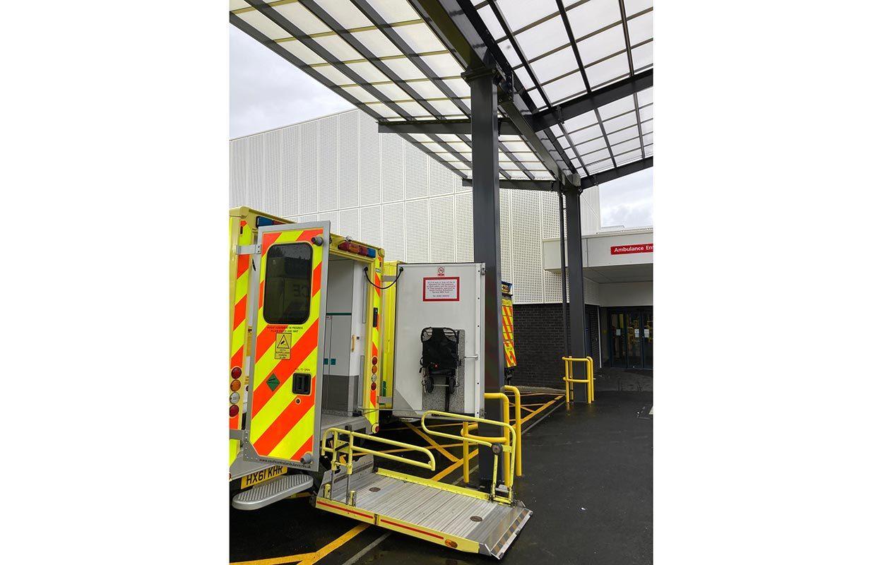 Ambulance-canopy-at-John-Radcliffe-Hospital-by-Fordingbridge-7
